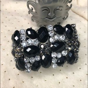 Jewelry - Black and clear crystal bracelet. Stretchy.